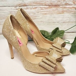 Betsy Johnson shoes Gold Sparkle Heels Pointed Toe